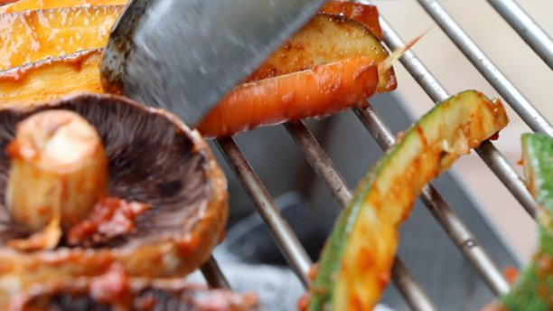 roasting vegetables on barbecue