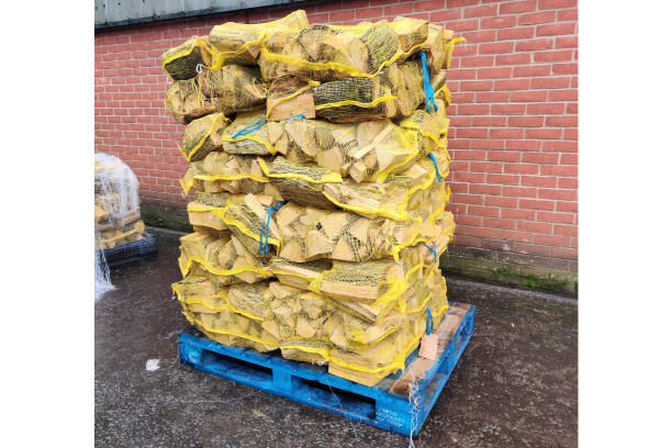 full pallet of seasoned british oak