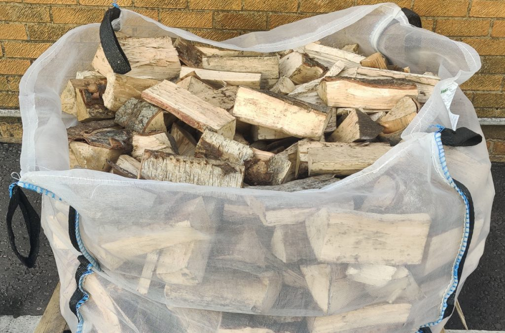 Builders bag of kiln dried hardwood logs