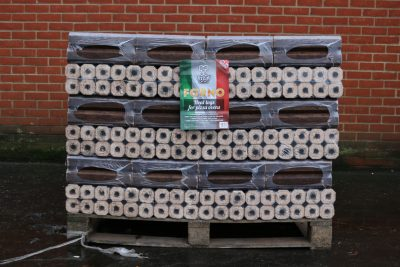 full pallet of lgforno pizza oven logs